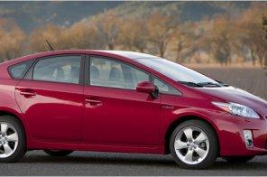Все гибриды Toyota Prius будут заряжаться от розетки