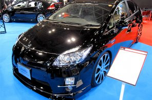 Toyota Prius V набрал заказов на год вперёд