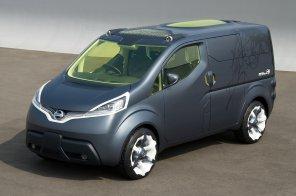 Nissan отправляет свой электрокар на испытания японским почтальонам