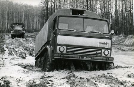 ЗИЛ-132Р и ЗИЛ-131 на сравнительных испытаниях, 1974г.